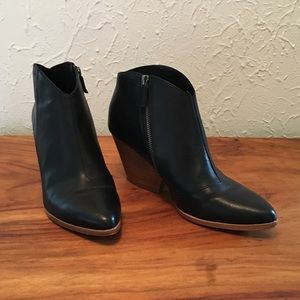Eileen Fisher Black Trail Leather Bootie